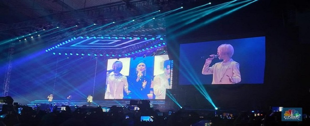 Rossa duet with Super Junior's concert became a trend in Social Media